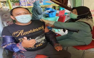 Guru MTs Annur Ikuti Program Vaksinasi Covid Tahap II